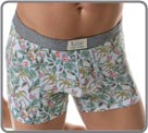 Go to the Tropics with Cocktail : a boxerbrief made of very comfortable combed cotton and a pattern with palm trees, pineapples and sunglasses which make you escape from your dayly life. Very soft microfiber waistband with cloth logo sewn on it.