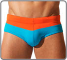 Swim brief two-tone and covering. Push-up effect...
