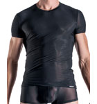 In a very flexible matter, this V-shirt is a pure pleasure of comfort.