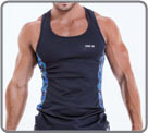 Semi-fitted tank made with quick dry fabric. Contrasted in camouflage with the...