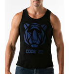 Semi-fitted tank made with 100% cotton. Contrasted with tiger head pattern, and logo Code 22 in front and back. Back swimmer.